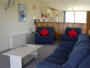 Penguin Mews - Carnarvon Accommodation