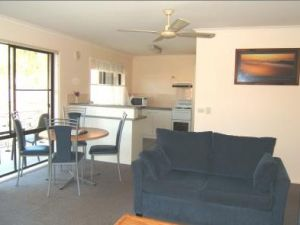Ocean Drive Apartments - Carnarvon Accommodation