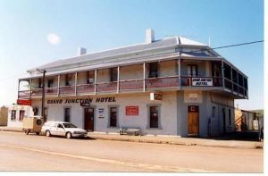 Grand Junction Hotel - Carnarvon Accommodation