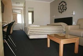 Queensgate Motel - Carnarvon Accommodation