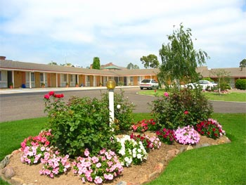 Bega Village Motor Inn - Carnarvon Accommodation