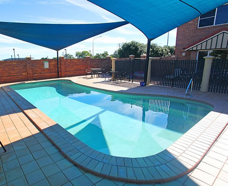 Cotswold Motor Inn - Carnarvon Accommodation