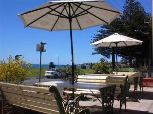 Anchorage At Victor Harbour Seafront Hotel - Carnarvon Accommodation