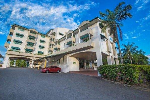 Cairns Sheridan Hotel - Carnarvon Accommodation