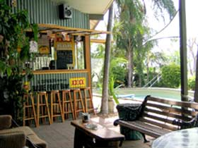 Backpackers By The Bay - Carnarvon Accommodation