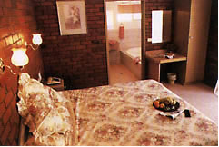Colonial Motor Lodge - Carnarvon Accommodation