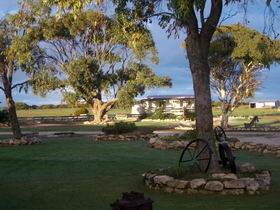 Coodlie Park Farm Retreat - Carnarvon Accommodation