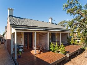 Strathalbyn Villas - Carnarvon Accommodation