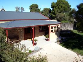 Toora Views - Carnarvon Accommodation