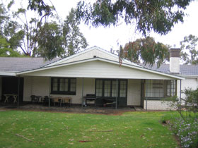 Naracoorte Cottages - Pinkerton Hill - Carnarvon Accommodation