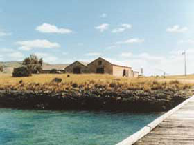 Mt Dutton Bay Woolshed Hostel - Carnarvon Accommodation