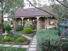 Langmeil Cottages - Carnarvon Accommodation