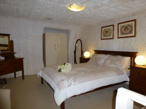 Underground Bed and Breakfast - Carnarvon Accommodation