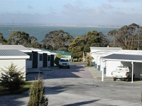 Old Pier Apartments - Carnarvon Accommodation