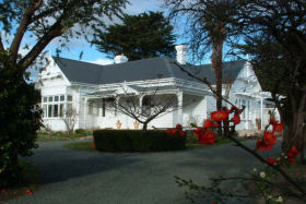 Huonville Guesthouse - Carnarvon Accommodation
