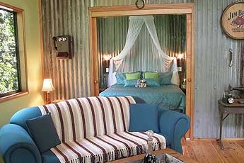Crater Lakes Rainforest Cottages - Carnarvon Accommodation
