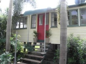 The Red Ginger Bungalow - Carnarvon Accommodation
