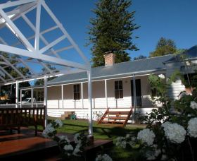 The Cottage - Berry - Carnarvon Accommodation