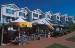 Breakers Apartments Mollymook - Carnarvon Accommodation