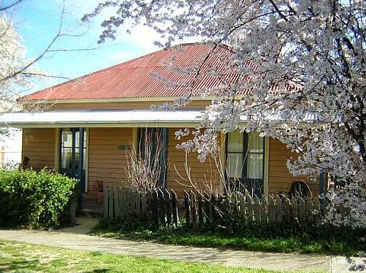 Cooma Cottage - Accommodation - Carnarvon Accommodation