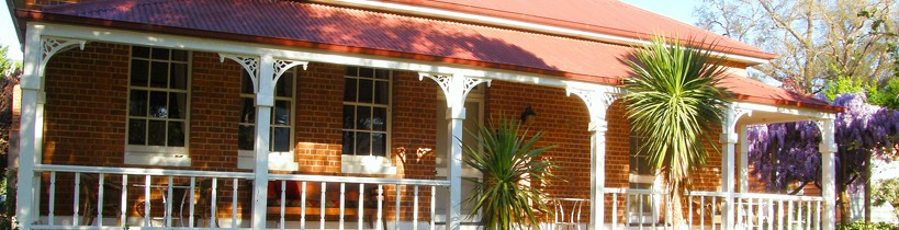Araluen Old Courthouse Bed and Breakfast - Carnarvon Accommodation
