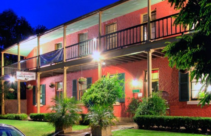 Anoushka's Boutique Bed and Breakfast - Carnarvon Accommodation