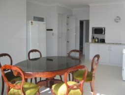 Olas Holiday House - Carnarvon Accommodation