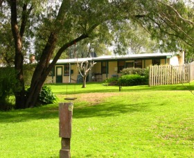Riverbend Chalets and Caravan Park
