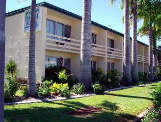 Palm Waters Holiday Villas - Carnarvon Accommodation