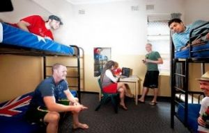 Maze Backpackers And Cb Hotel - Carnarvon Accommodation