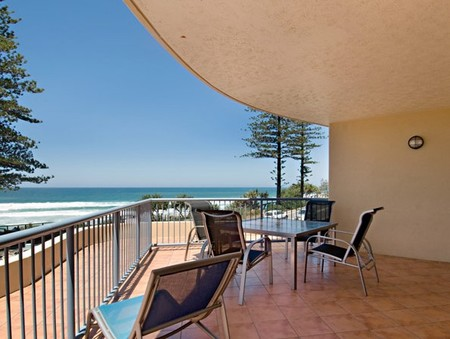 Coolum Baywatch Resort - Carnarvon Accommodation