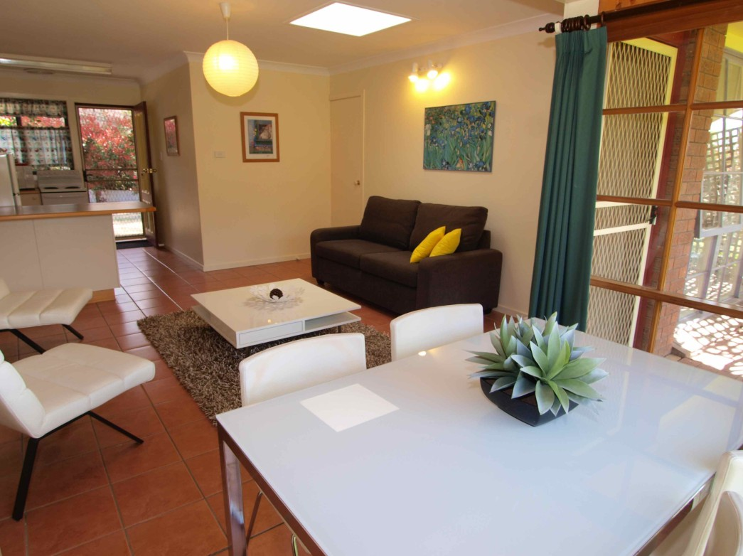 Bright Highland Valley Cottages - Carnarvon Accommodation