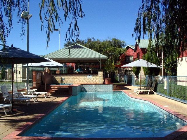 Amalfi Resort - Carnarvon Accommodation