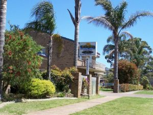 Beachfront Units Merimbula - Carnarvon Accommodation