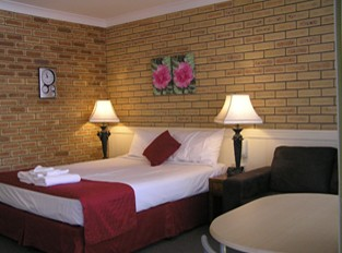 Blue Violet Motor Inn - Carnarvon Accommodation