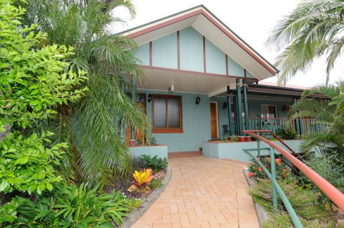 McNevins Logan Park - Carnarvon Accommodation