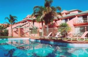 Tuscany Apartments - Carnarvon Accommodation