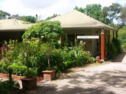 Treetops Bed And Breakfast - Carnarvon Accommodation