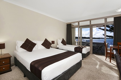 Waters Edge Country Comfort - Carnarvon Accommodation