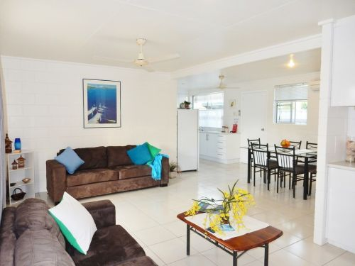Lucinda Holiday Rentals  - Carnarvon Accommodation