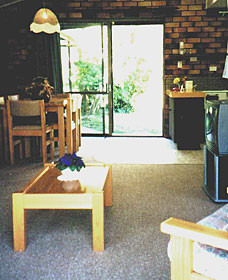 Falls Forest Retreat - Carnarvon Accommodation