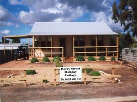 Cowell Barry Street Holiday Cottage - Carnarvon Accommodation