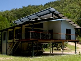 Creek Valley Rainforest Retreat - Carnarvon Accommodation