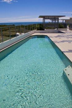 White Shells Luxury Apartments - Carnarvon Accommodation