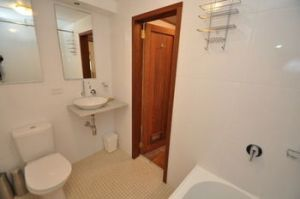 Camperdown 21 Brigs Furnished Apartment - Carnarvon Accommodation