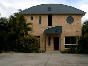 Beach House Redcliffe - Carnarvon Accommodation
