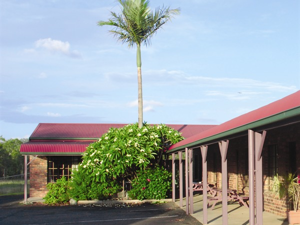 Fernvale Hotel-Motel - Carnarvon Accommodation