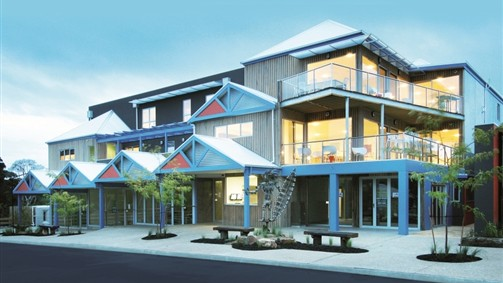 The Island Accommodation - Phillip Island YHA - Carnarvon Accommodation