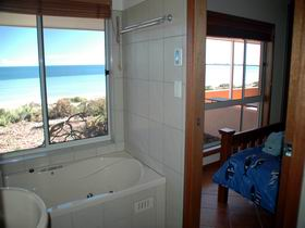 Ceduna Shelly Beach Caravan Park and Beachfront Villas - Carnarvon Accommodation
