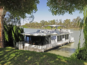Boats and Bedzzz - The Murray Dream self-contained moored Houseboat - Carnarvon Accommodation